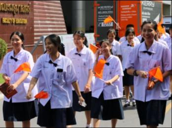 ตัวแทนนักเรียนเข้าร่วมกิจกรรมรณรงค์ยุติความรุนแรงต่อสตรี