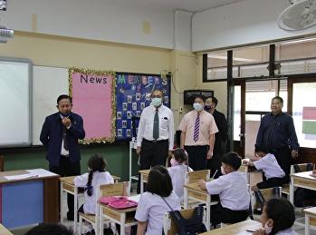 นายกสมาคมผู้ปกครองและครูฯ เยี่ยมชมการจัดการเรียนการสอน ของโรงเรียนสาธิต