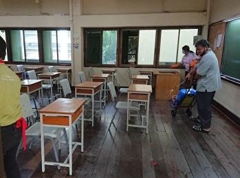 ฝ่ายอาคารสถานที่ ได้ดำเนินการ ทำความสะอาดภายในบริเวณโรงเรียน